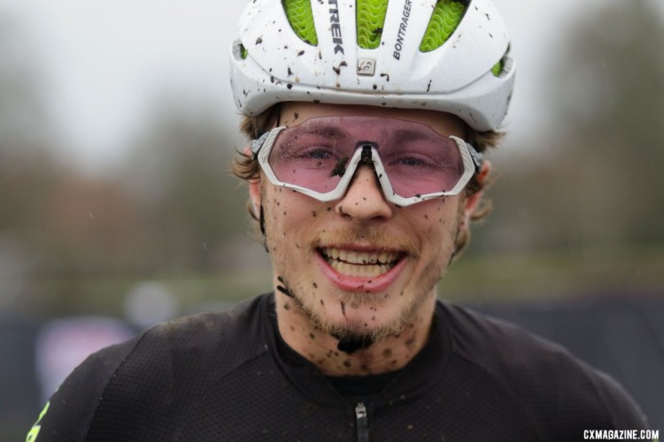 Caleb Swartz shows his excitement in winning his second consecutive Collegiate title. Collegiate Varsity Men. 2019 Cyclocross National Championships, Lakewood, WA. © D. Mable / Cyclocross Magazine