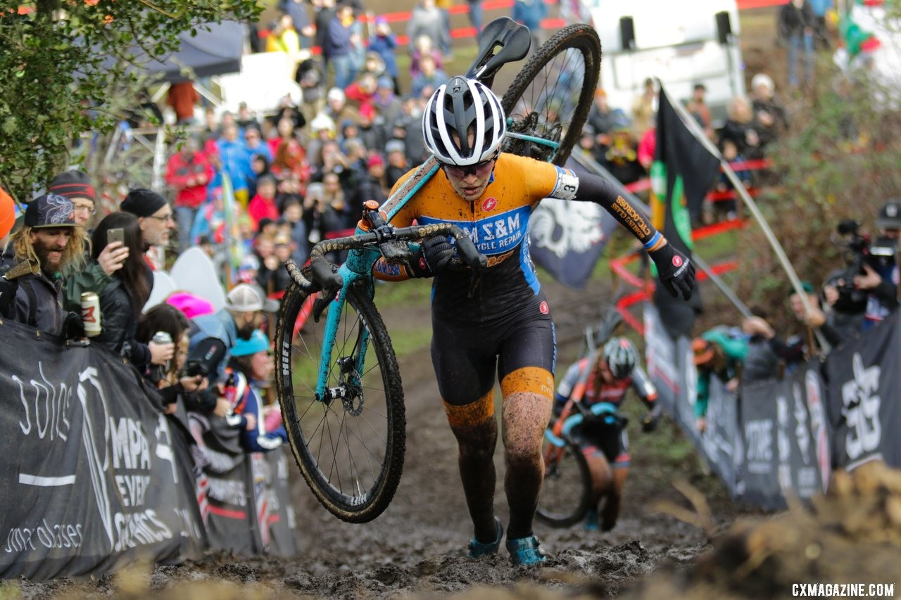 Clara Honsinger used her running to help hold Fahringer's challenge off. Elite Women. 2019 Cyclocross National Championships, Lakewood, WA. © D. Mable / Cyclocross Magazine