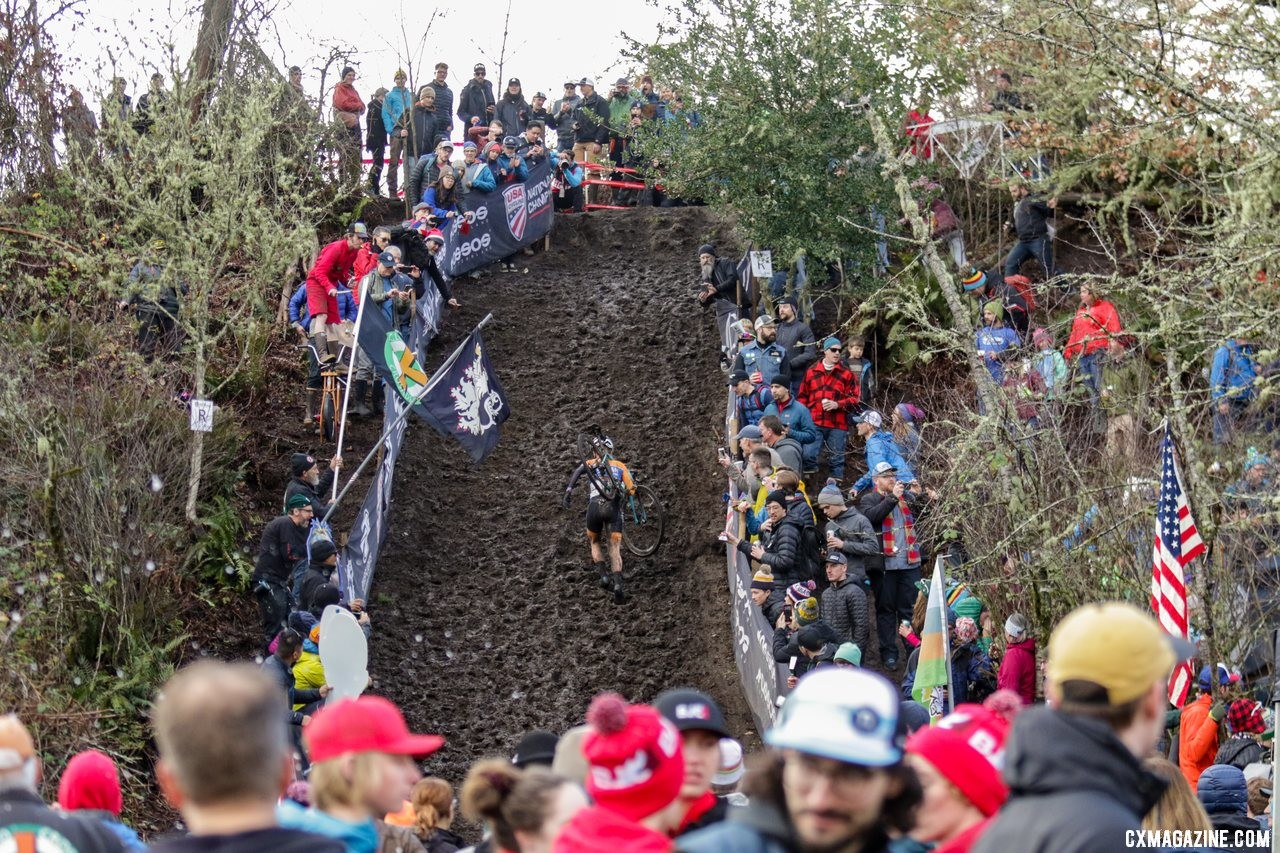 Clara Honsinger ran to a National Championship in front of a de factor home crowd. Elite Women. 2019 Cyclocross National Championships, Lakewood, WA. © D. Mable / Cyclocross Magazine