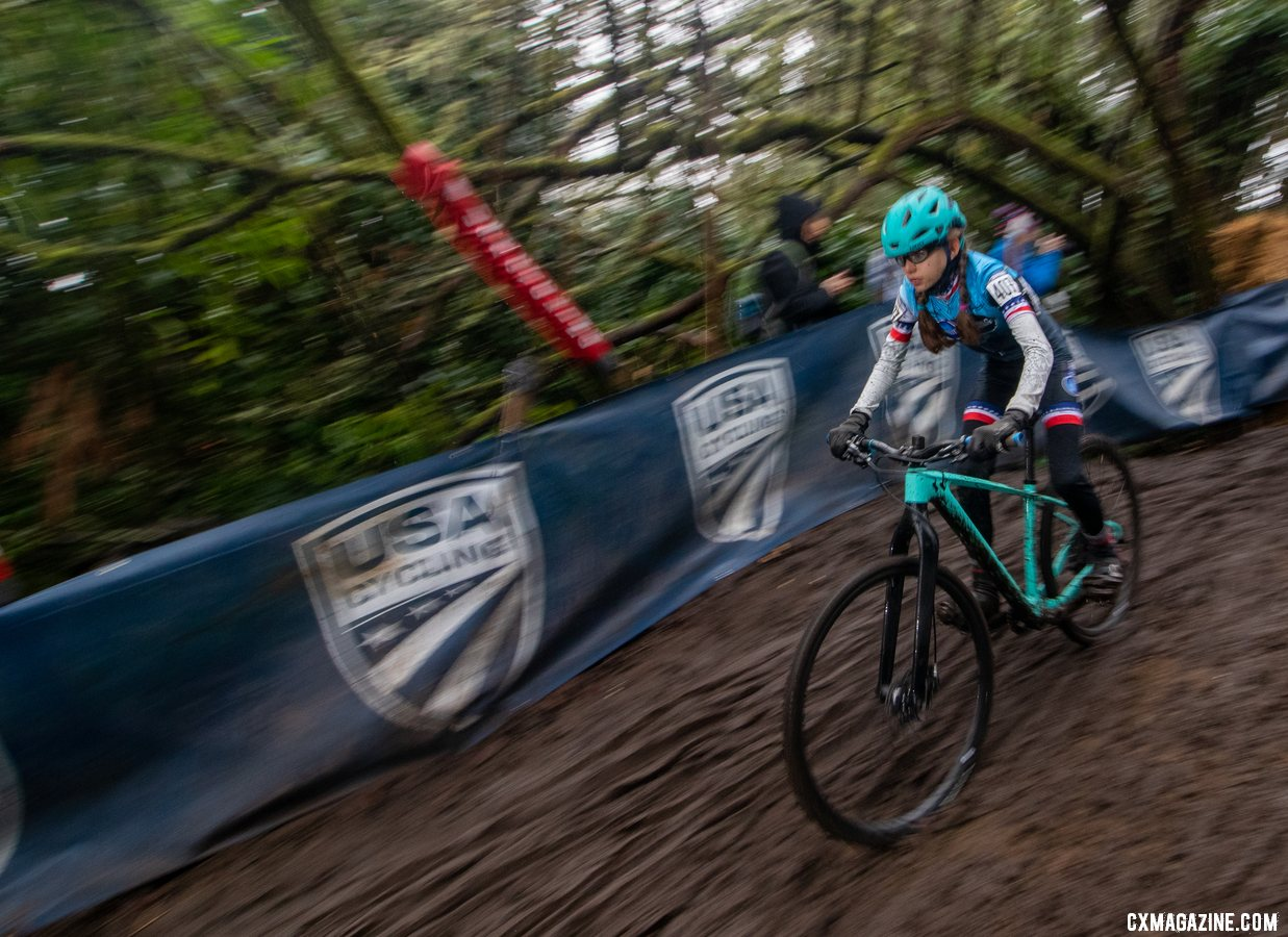 Kira Mullins won the Jujnior Women 11-12 National Championship in Lakewood Junior Women 11-12. 2019 Cyclocross National Championships, Lakewood, WA. © A. Yee / Cyclocross Magazine