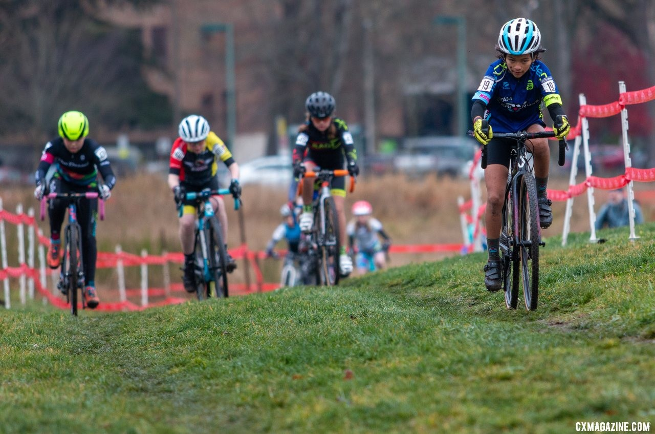 Sarah Vargas leads the field shortly after the start of the Junior Women 11-12 race. Junior Women 11-12. 2019 Cyclocross National Championships, Lakewood, WA. © A. Yee / Cyclocross Magazine