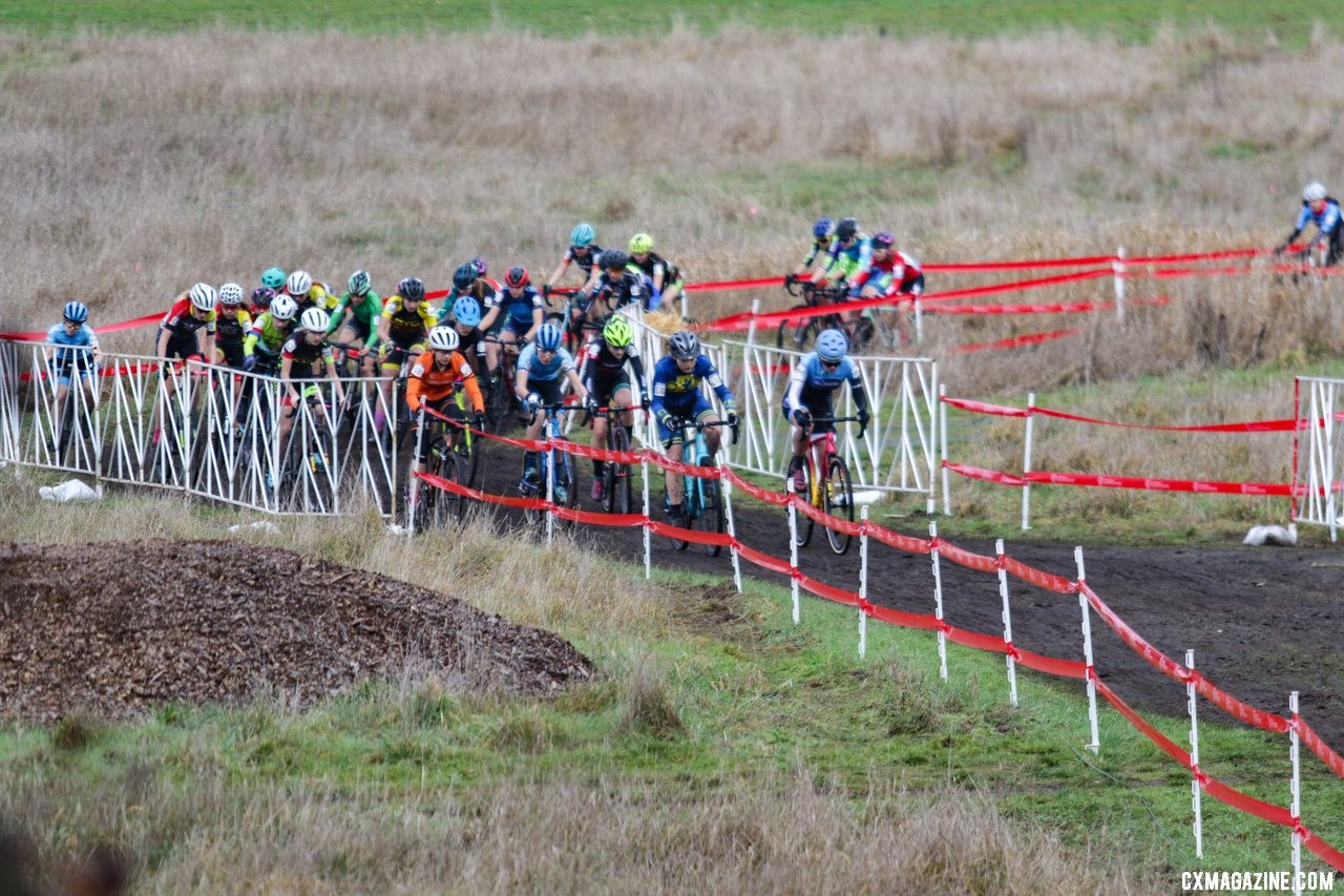 The front of the race was loaded with podium contenders as it wound it's way to the base of the first climb. Junior Women 15-16. 2019 Cyclocross National Championships, Lakewood, WA. © D. Mable / Cyclocross Magazine