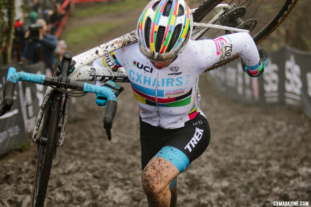 Andrew Strohmeyer ran to a late win. Junior 17-18 Men. 2019 Cyclocross National Championships, Lakewood, WA. © A. Yee / Cyclocross Magazine