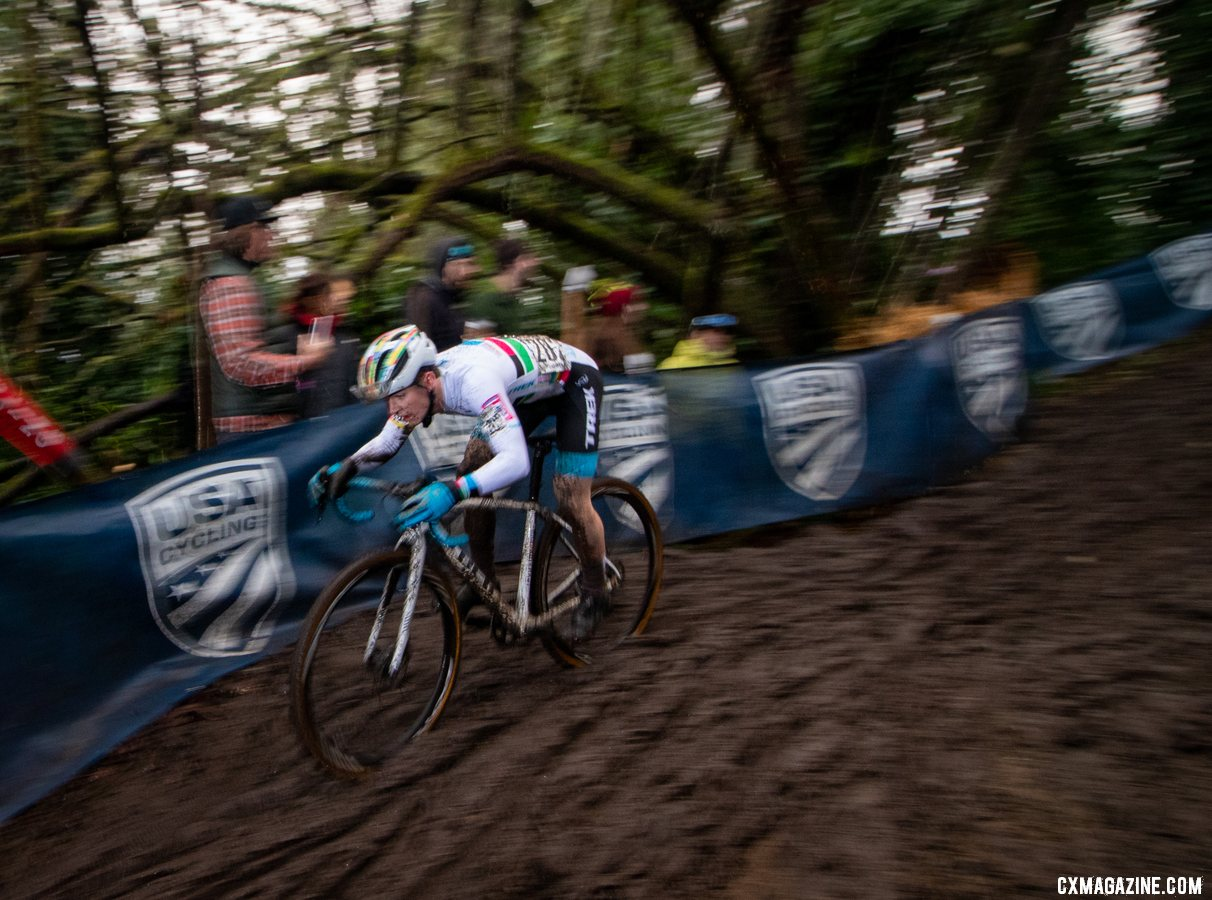 Andrew Strohmeyer drops down the descent. Junior 17-18 Men. 2019 Cyclocross National Championships, Lakewood, WA. © A. Yee / Cyclocross Magazine