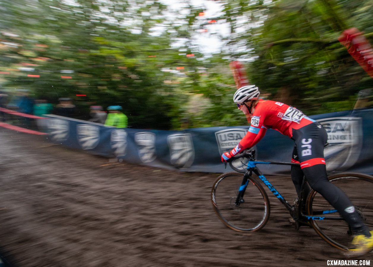 Haydn Hludzinski drops the kickstand as she exits the Disco-drop descent. Junior Women 13-14. 2019 Cyclocross National Championships, Lakewood, WA. © A. Yee / Cyclocross Magazine