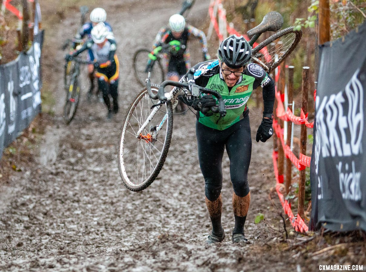 Perpetual contender Gunnar Shogren and his barcons raced a to top five finish. Masters Men 55-59. 2019 Cyclocross National Championships, Lakewood, WA. © A. Yee / Cyclocross Magazine