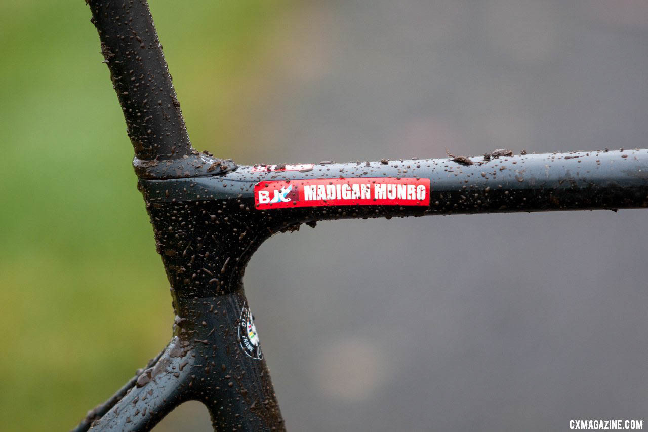 Giant's D-Fuse seatpost is clamped internally and provides a little extra compliance, and custom red frame stickers keep BJC bikes easier to distinguish. 2019 Cyclocross National Championships, Lakewood, WA. © A. Yee / Cyclocross Magazine