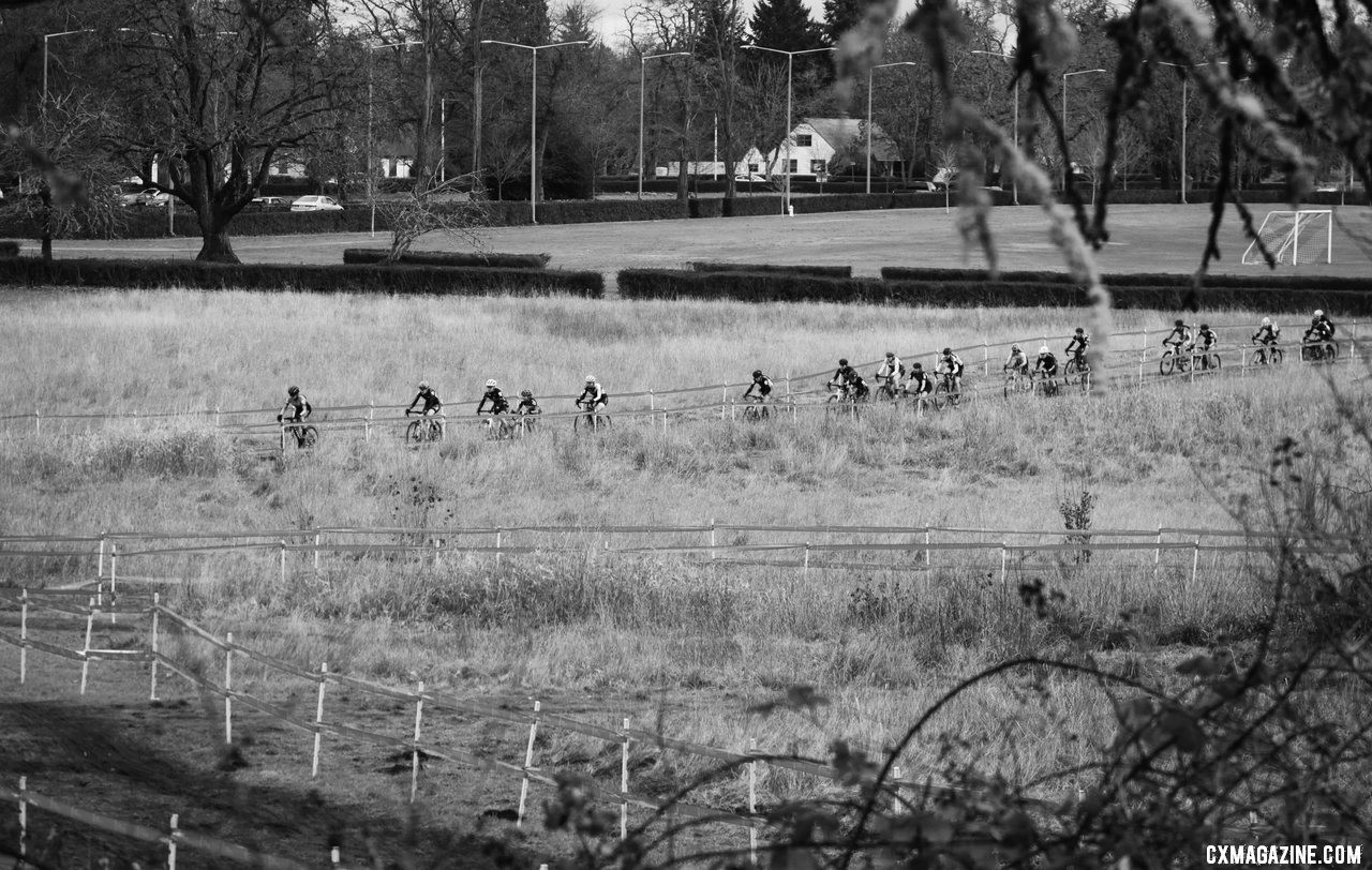 The field is spread out after the long paved starting straightaway. Masters Women 40-44. 2019 Cyclocross National Championships, Lakewood, WA. © D. Mable / Cyclocross Magazine