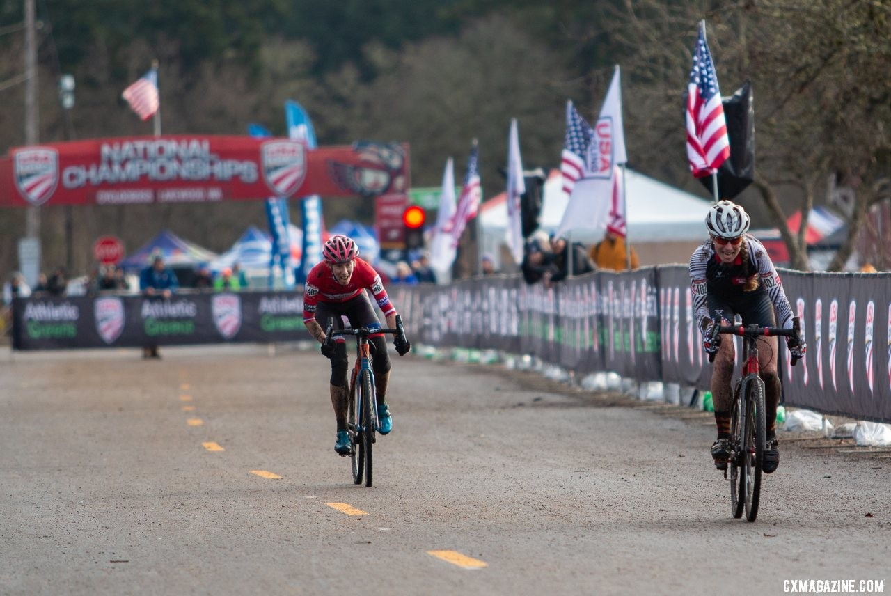Monica Lloyd nearly closed a gap on Melissa Barker that she'd worked all race to shut down. Masters Women 45-49. 2019 Cyclocross National Championships, Lakewood, WA. © A. Yee / Cyclocross Magazine