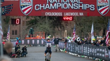 Jake Wells makes it three singlespeed titles in a row. Singlespeed Men. 2019 Cyclocross National Championships, Lakewood, WA. © A. Yee / Cyclocross Magazine