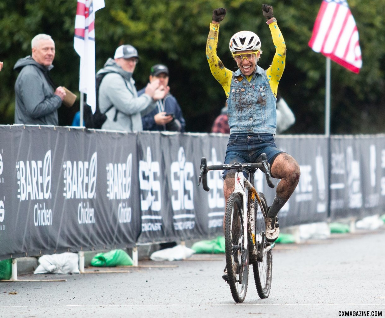 Sarah Sturm celebrates her second Singlespeed National Championship win. Singlespeed Women. 2019 Cyclocross National Championships, Lakewood, WA. © A. Yee / Cyclocross Magazine