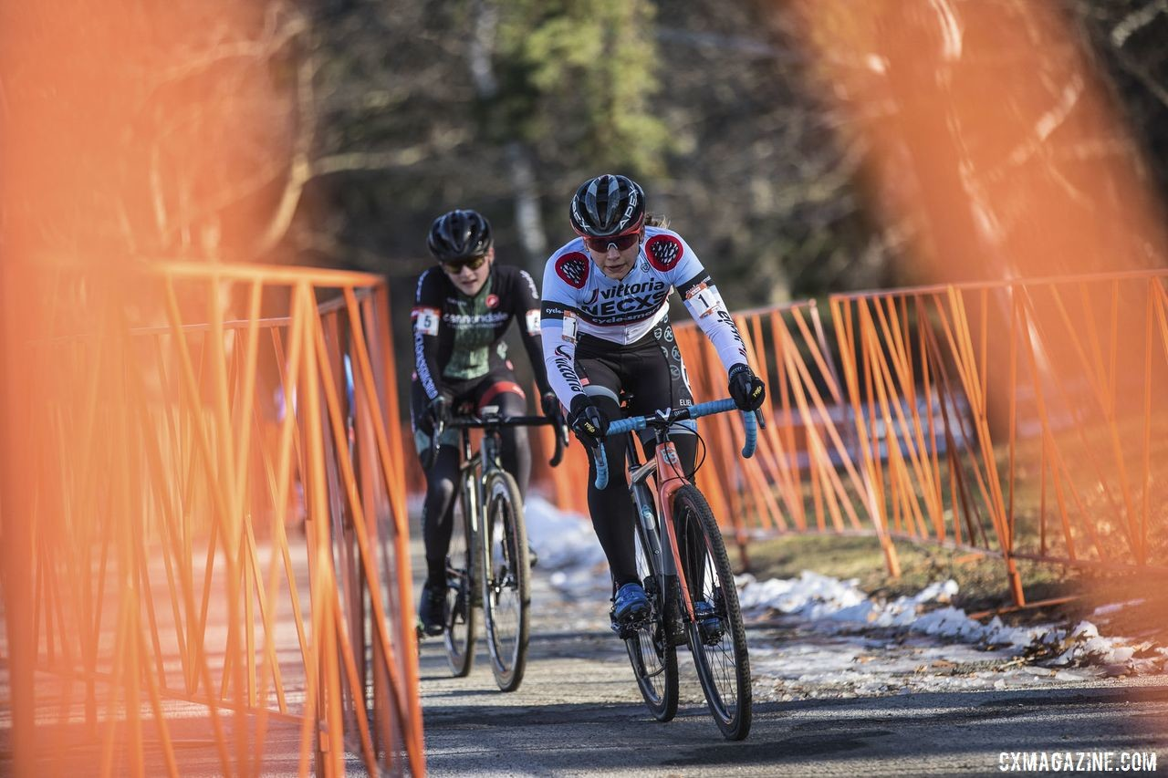 Lizzy Gunsalus kept pace with Rebecca Fahringer early on and went on to finish second. 2019 NBX Gran Prix of Cross Day 1. © Angelica Dixon
