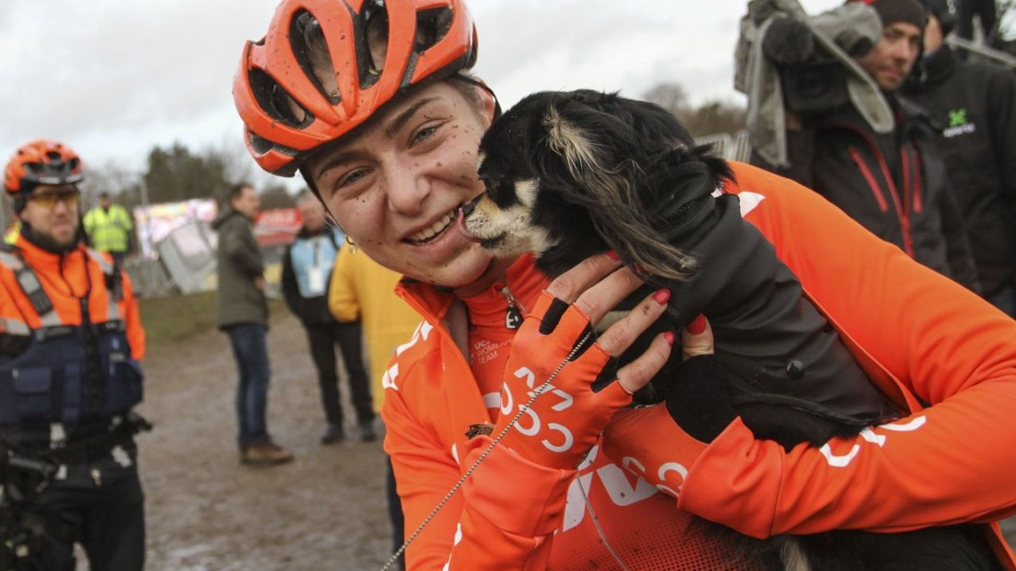 Wide-angle podium puppies for Inge van der Heijden. 2019 Superprestige Zonhoven. © B. Hazen / Cyclocross Magazine