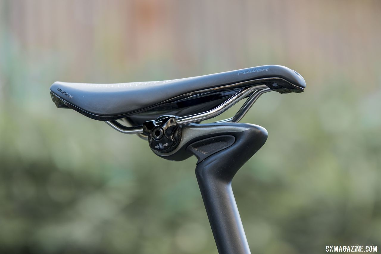 Specialized CG-R carbon single bolt seatpost. Body Geometry Power Expert saddle with Ti rails. 2020 Specialized Diverge Expert Gravel Bike. © C. Lee / Cyclocross Magazine
