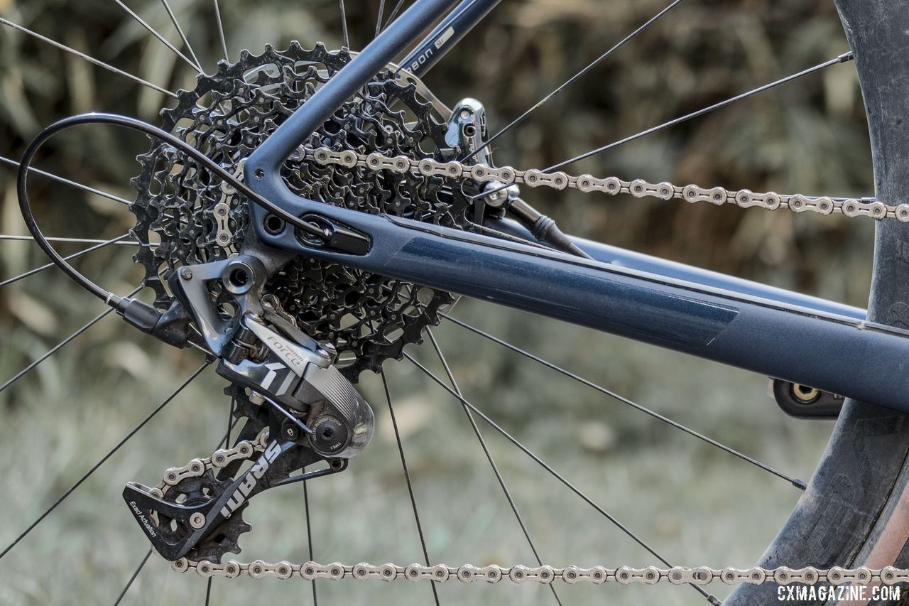 The 1x drivetrain features a SRAM Force 1 rear derailleur and a spinny 10-42t cassette spread. 2020 Specialized Diverge Expert Gravel Bike. © C. Lee / Cyclocross Magazine