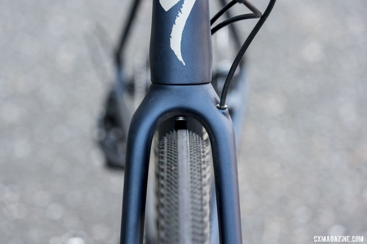 The Diverge Expert comes with 700c x 38mm Pathfinder Pro tires. Specialized claims clearance for tires up to 700c x 42mm and 650b x 47mm wide. 2020 Specialized Diverge Expert Gravel Bike. © C. Lee / Cyclocross Magazine