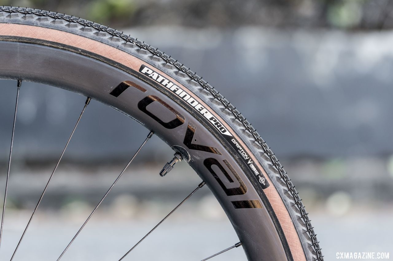 The Expert Diverge comes stock with Specialized Pathfinder Pro 38mm tires on Specialized Roval C38 carbon disc wheels. 2020 Specialized Diverge Expert Gravel Bike. © C. Lee / Cyclocross Magazine