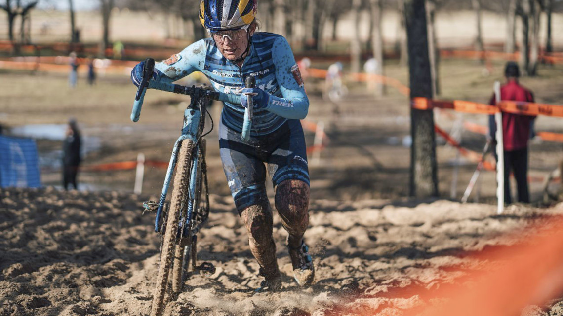 Ellen Noble fought to double wins last weekend. 2019 Ruts n' Guts. © P. Means / Cyclocross Magazine