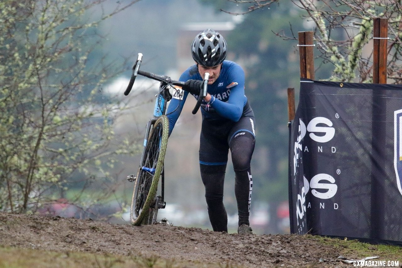 Perley led, then raced in second until Schmalz's mechanical. Masters Men 30-34. 2019 Cyclocross National Championships, Lakewood, WA. © D. Mable / Cyclocross Magazine