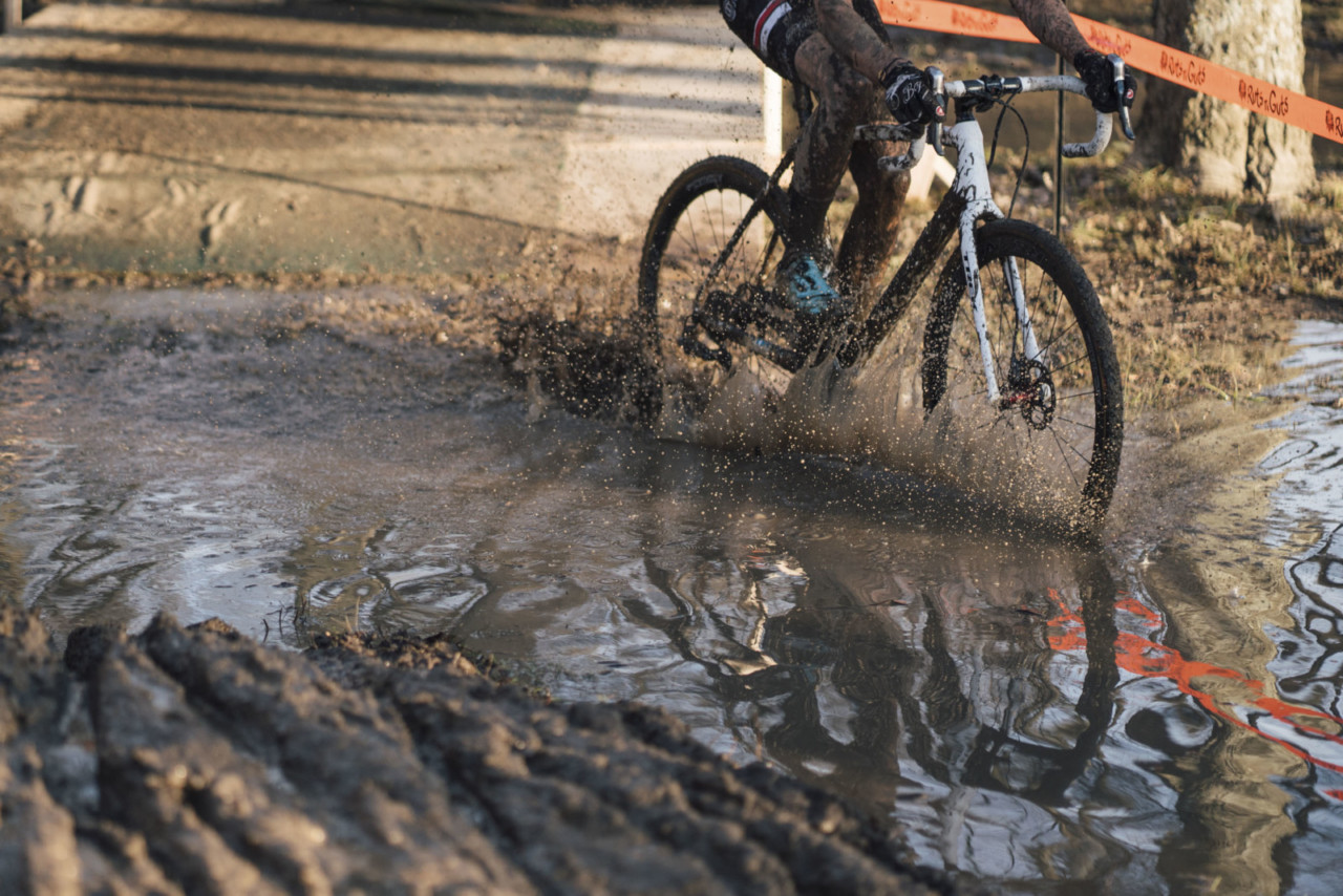 Small lakes were omnipresent on the Ruts n ' Guts course this year. 2019 Ruts n' Guts Day 1. © P. Means / Cyclocross Magazine