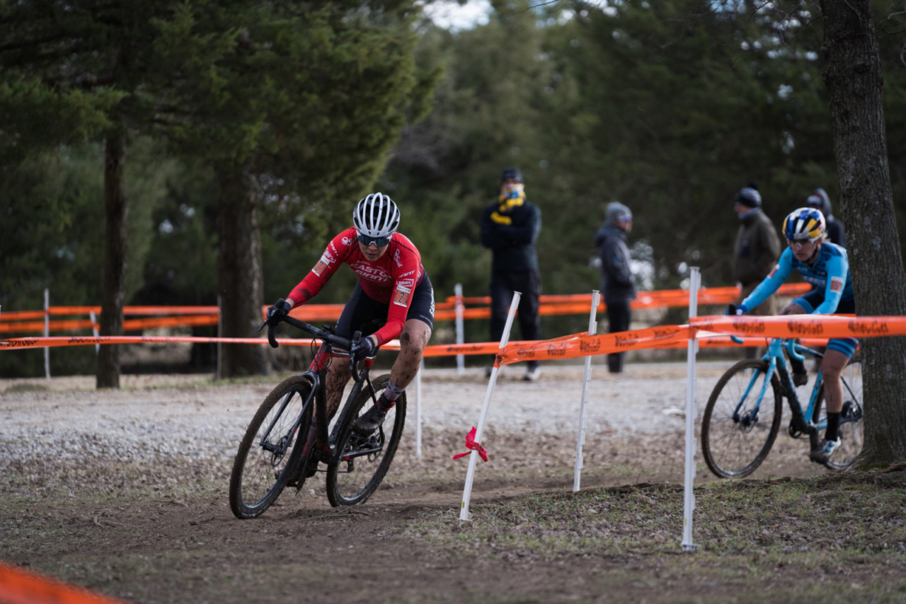 Jenn Jackson got out to a fast start on Sunday and finished second. 2019 Ruts n' Guts Day 2. © P. Means / Cyclocross Magazine