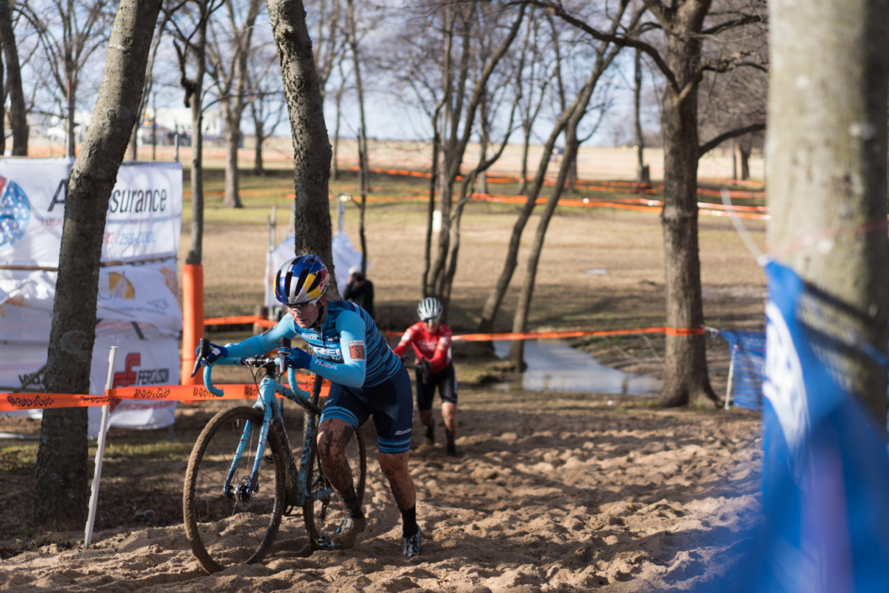 Ellen Noble pushes the pace to escape from Jenn Jackson. 2019 Ruts n' Guts Day 2. © P. Means / Cyclocross Magazine