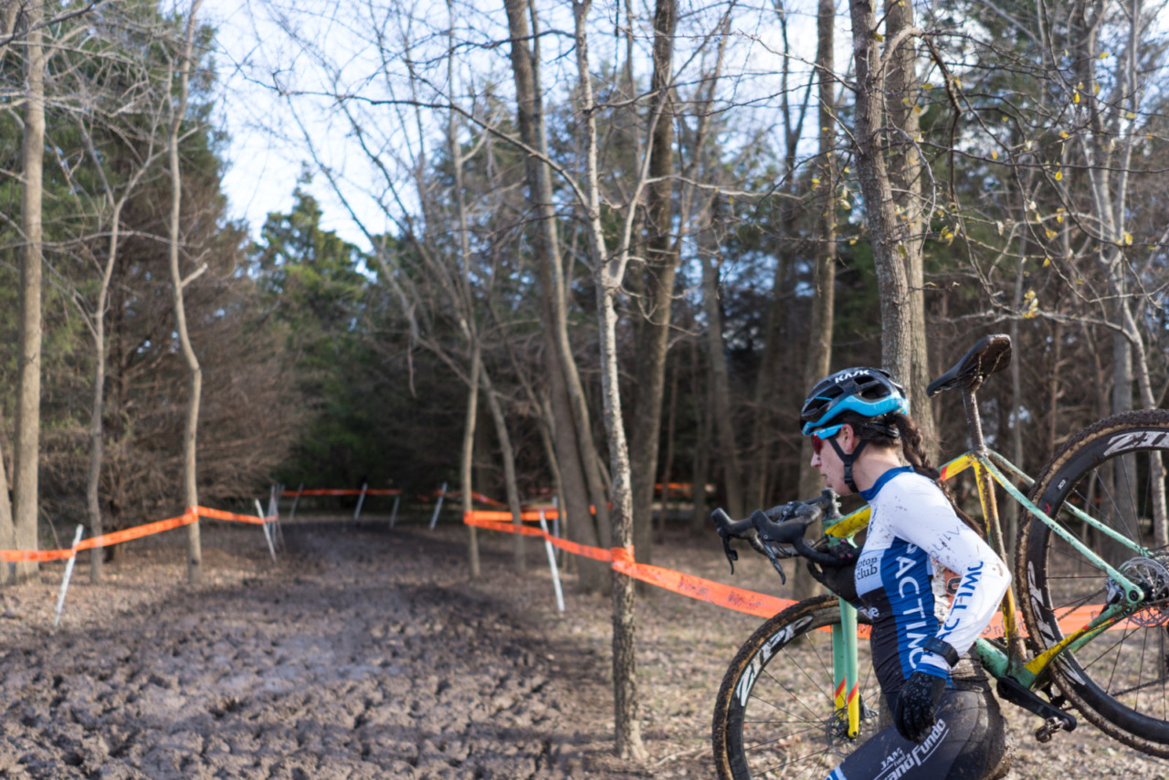 Around the corner, Jane Rossi faces ... more running. 2019 Ruts n' Guts Day 2. © P. Means / Cyclocross Magazine