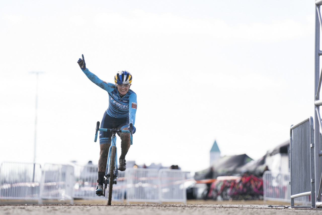 Ellen Noble went back-to-back in Broken Arrow. 2019 Ruts n' Guts Day 2. © P. Means / Cyclocross Magazine