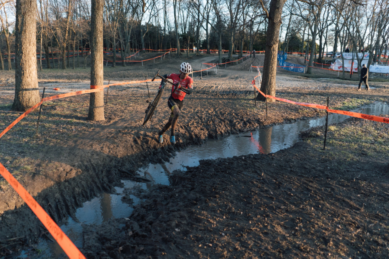 Lance Haidet plays it a little safe and hops the ditch. 2019 Ruts n' Guts Day 2. © P. Means / Cyclocross Magazine