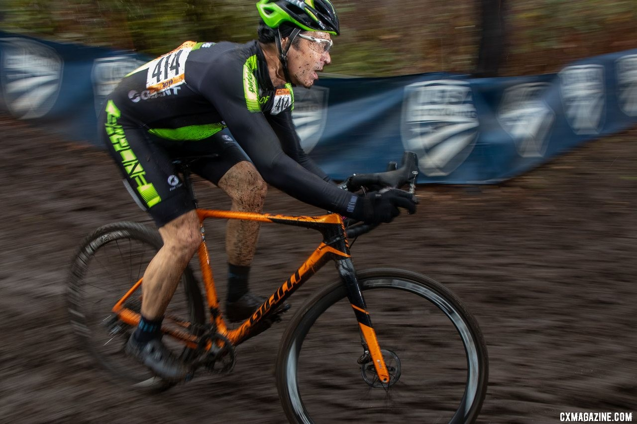 Kvein Saint Clair pushes toward the wide-angle podium. Masters Men 60-64. 2019 Cyclocross National Championships, Lakewood, WA. © A. Yee / Cyclocross Magazine