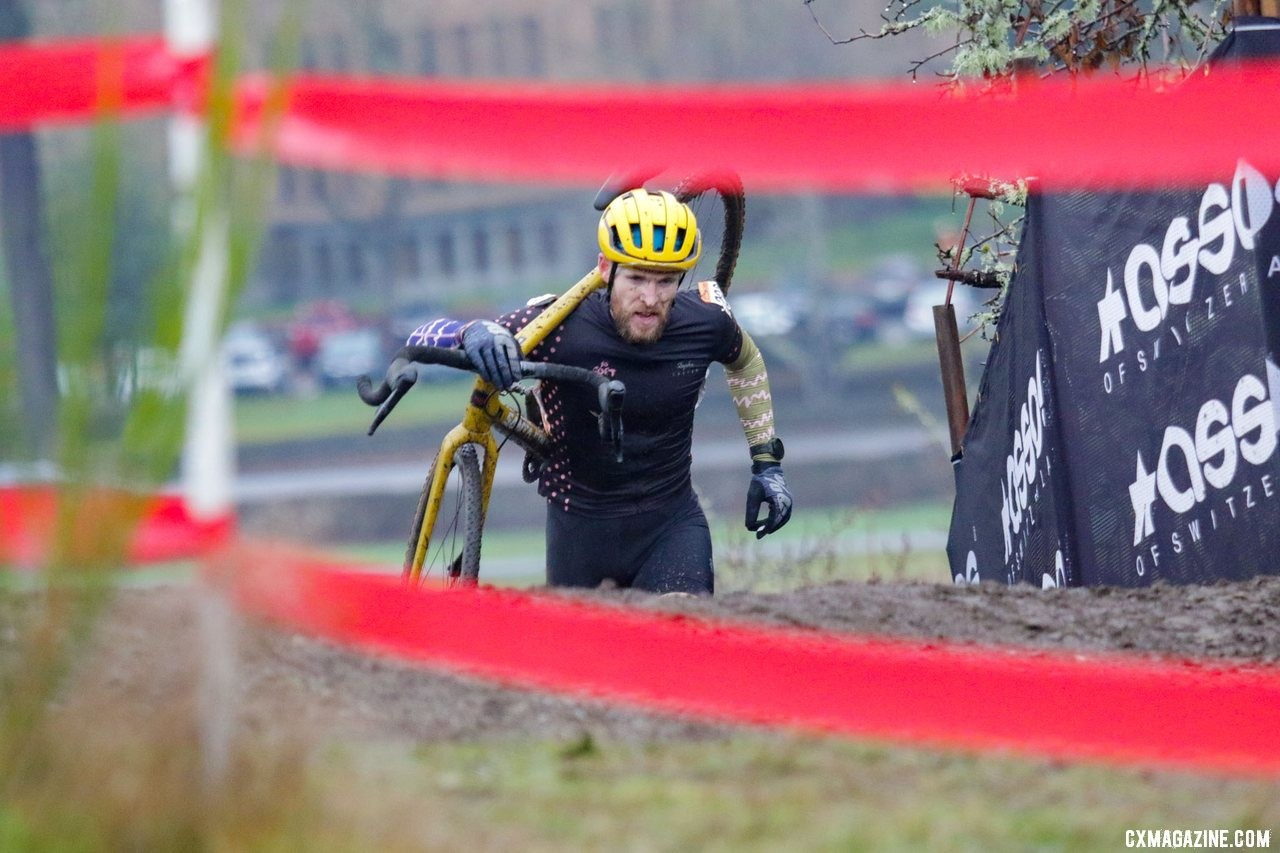 Sam Owens climbed from third to second. Masters Men 30-34. 2019 Cyclocross National Championships, Lakewood, WA. © D. Mable / Cyclocross Magazine