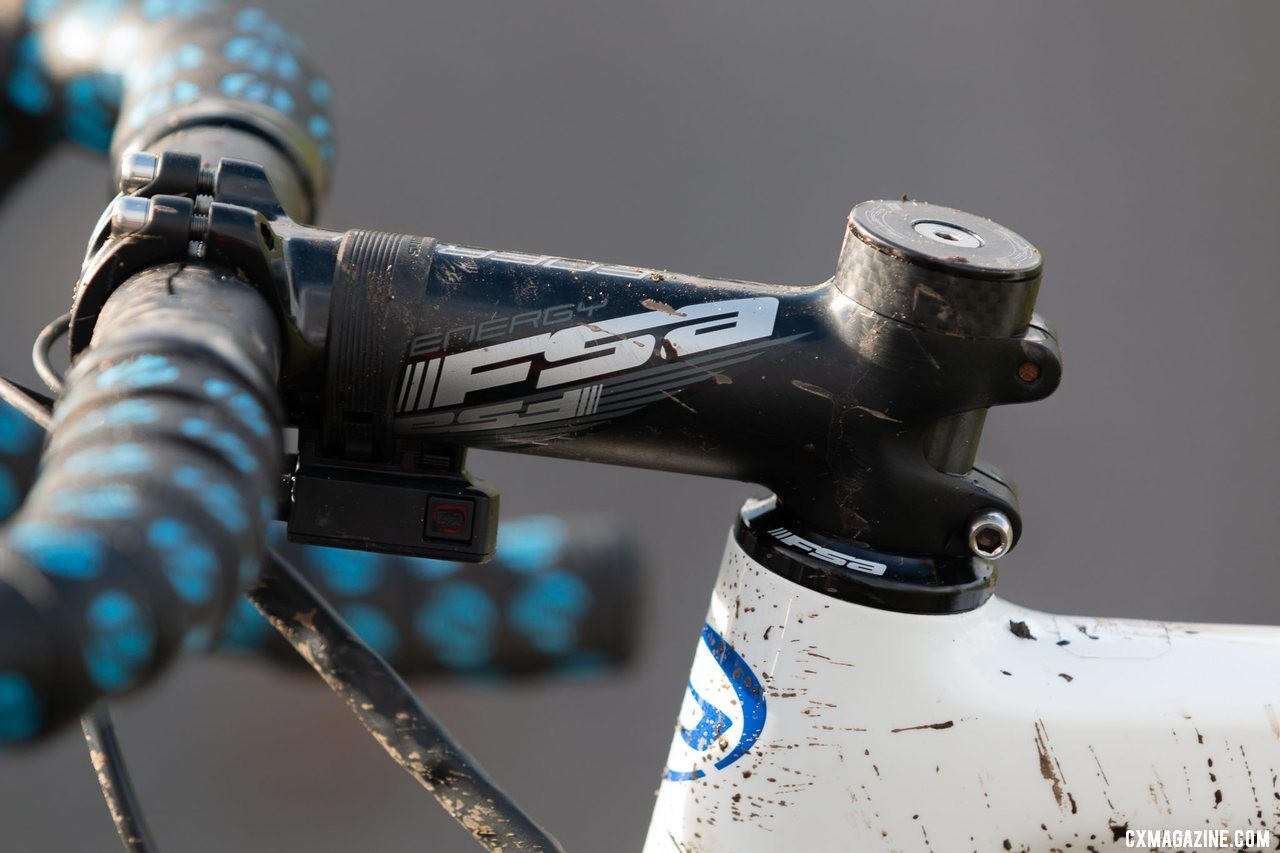 Brunner ran an all-alloy cockpit, with an FSA Energy stem holding his FSA Gossamer handlebar. Eric Brunner's 2019 U23 National Championships Blue Norcross Team Edition. © A. Yee / Cyclocross Magazine