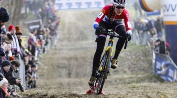 Lucinda Brand continued her strong season with a second-place finish. 2020 GP Sven Nys, Baal. © B. Hazen / Cyclocross Magazine