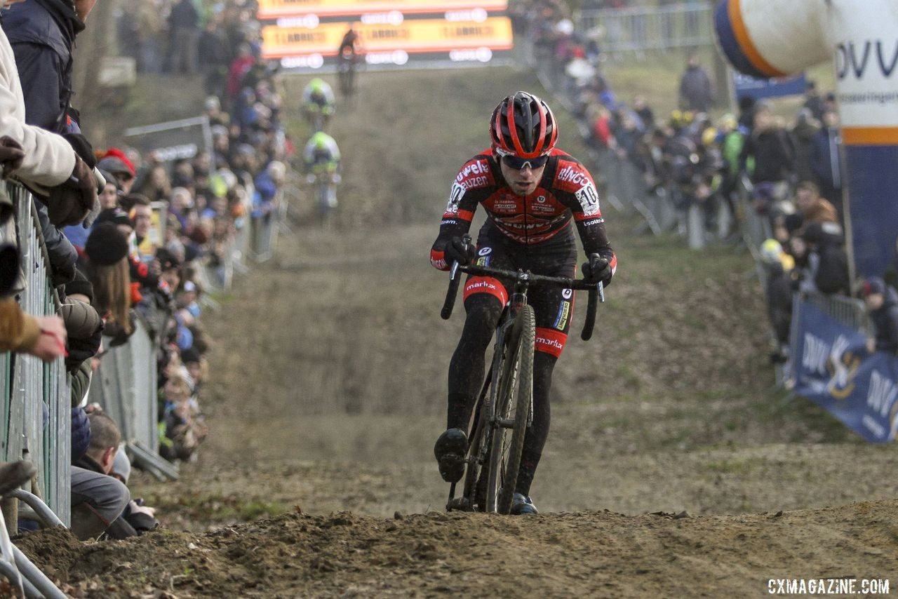 Eli Iserbyt re-upped his contract with the Sauces. 2020 GP Sven Nys, Baal. © B. Hazen / Cyclocross Magazine