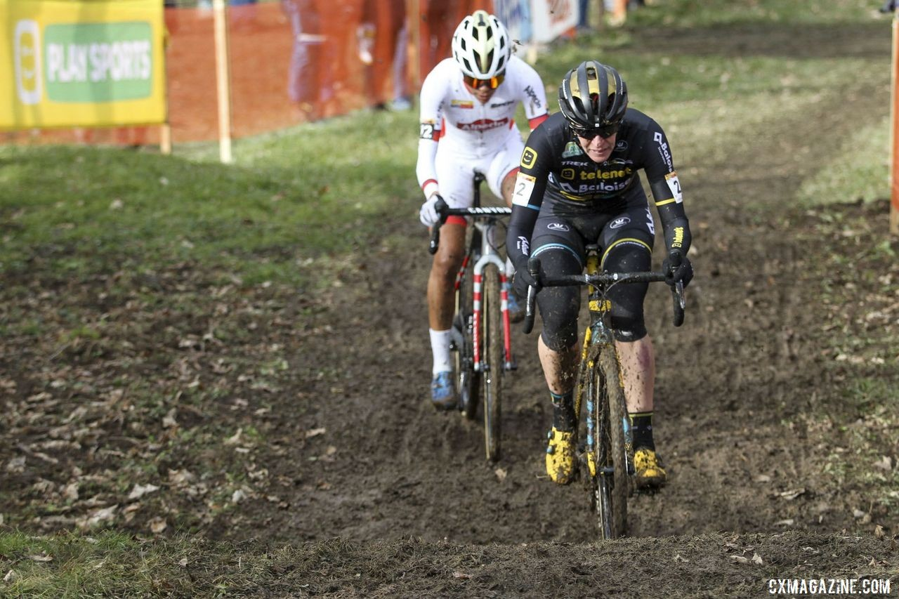 Ellen Van Loy was in vintage form getting off to a fast start at Nommay. 2020 World Cup Nommay, France. © B. Hazen / Cyclocross Magazine