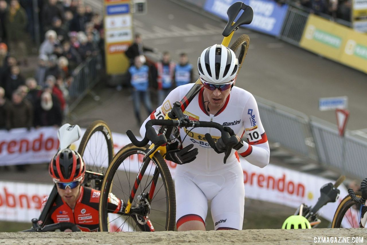 Toon Aerts and Eli Iserbyt battled for second. 2020 World Cup Hoogerheide, Netherlands. © B. Hazen / Cyclocross Magazine