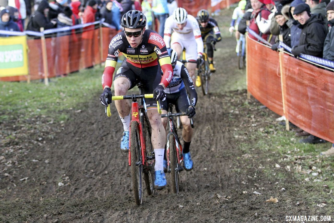 Laurens Sweeck raced in his new Belgian Champ's kit. 2020 World Cup Nommay. © B. Hazen / Cyclocross Magazine