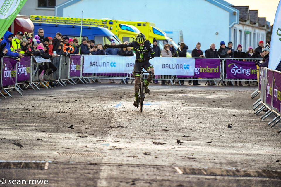 David Conroy won the Men's race. © Sean Rowe