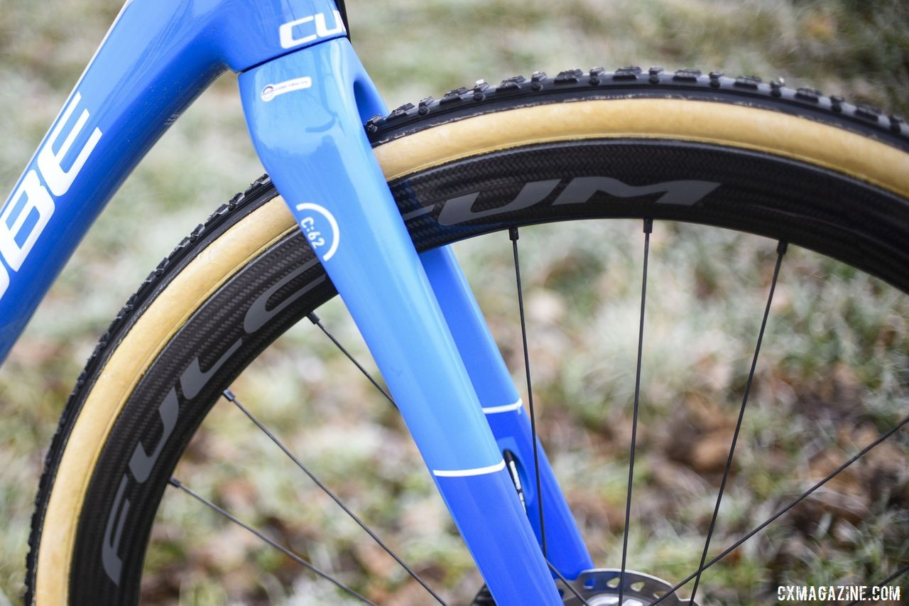 Hermans ran Fulcrum Speed 40T DB carbon tubulars. Fulcrum is a subsidiary of Campagnolo. Quinten Hermans' Cube Cross Race C:62 Cyclocross Bike. © E. Haumesser / Cyclocross Magazine