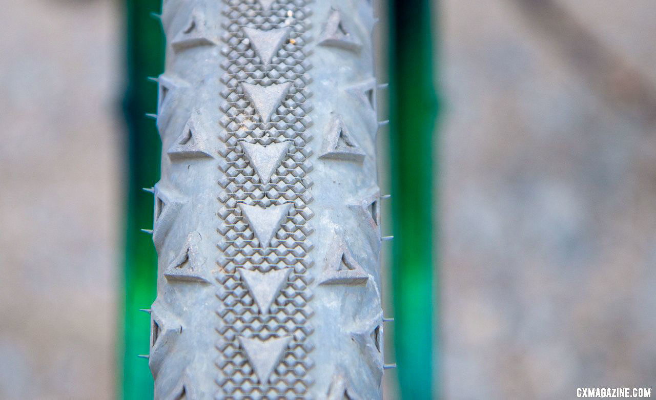 The Rose tire features a center line that intentionally wears to the height of the file tread with use. Ultraromance's Crust Lightning Bolt gravel bike. © A. Yee / Cyclocross Magazine