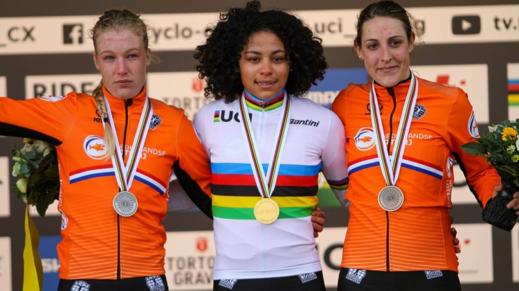 Ceylin del Carmen Alvarado led a Dutch sweep in the Elite Women. 2020 UCI Cyclocross World Championships, Dübendorf, Switzerland. © B. Hazen / Cyclocross Magazine