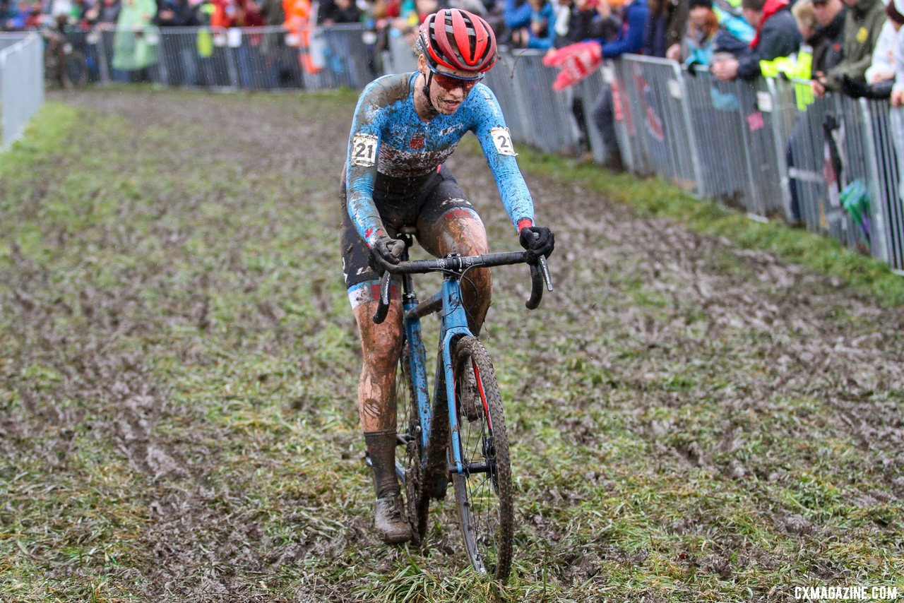 Ruby West surged into medal contention, riding into third on the second lap. U23 Women, 2020 UCI Cyclocross World Championships, Dübendorf, Switzerland. © B. Hazen / Cyclocross Magazine