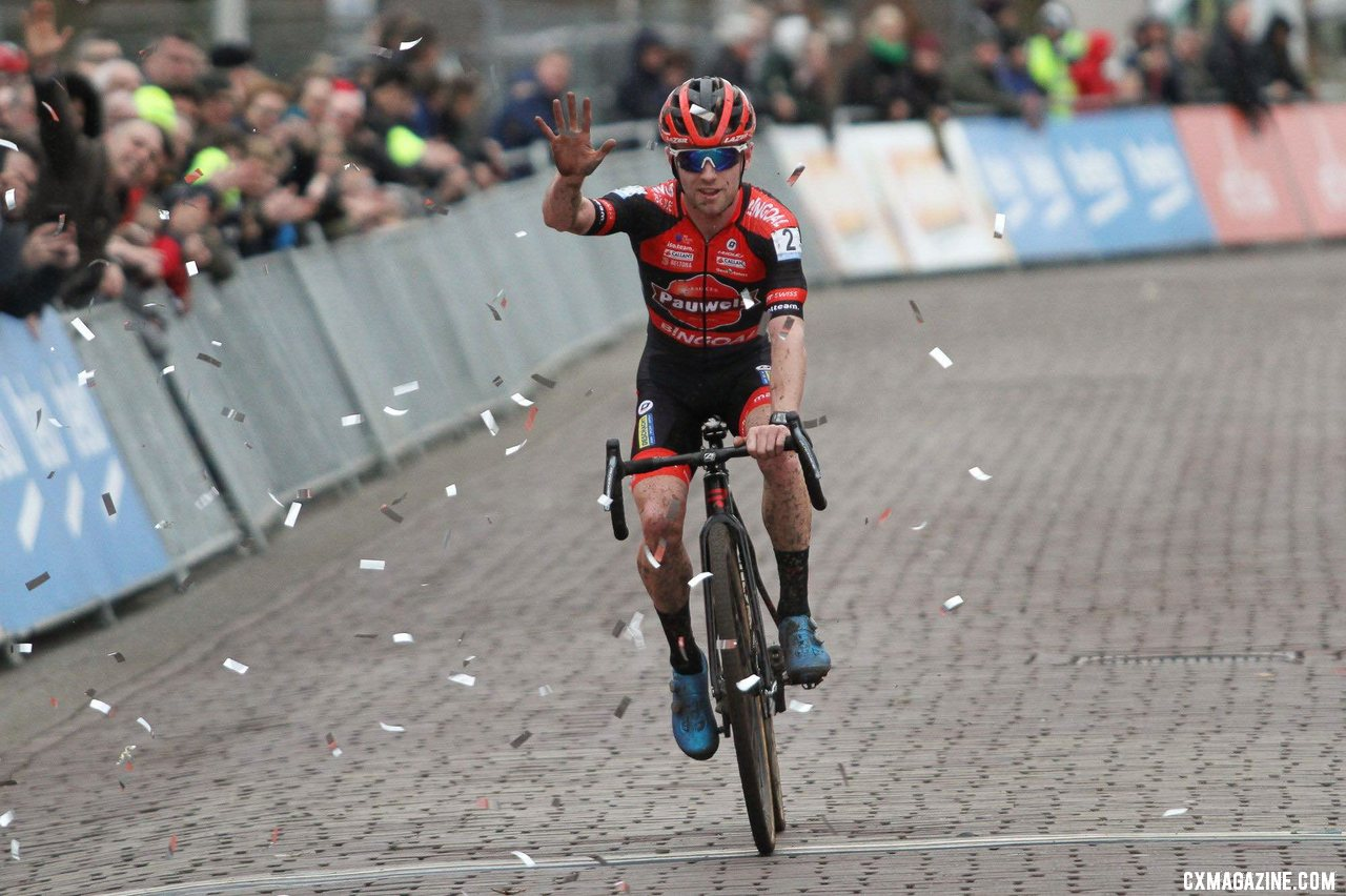 Eli Iserbyt was dominant at the 2020 Vestingcross Hulst. © B. Hazen / Cyclocross Magazine