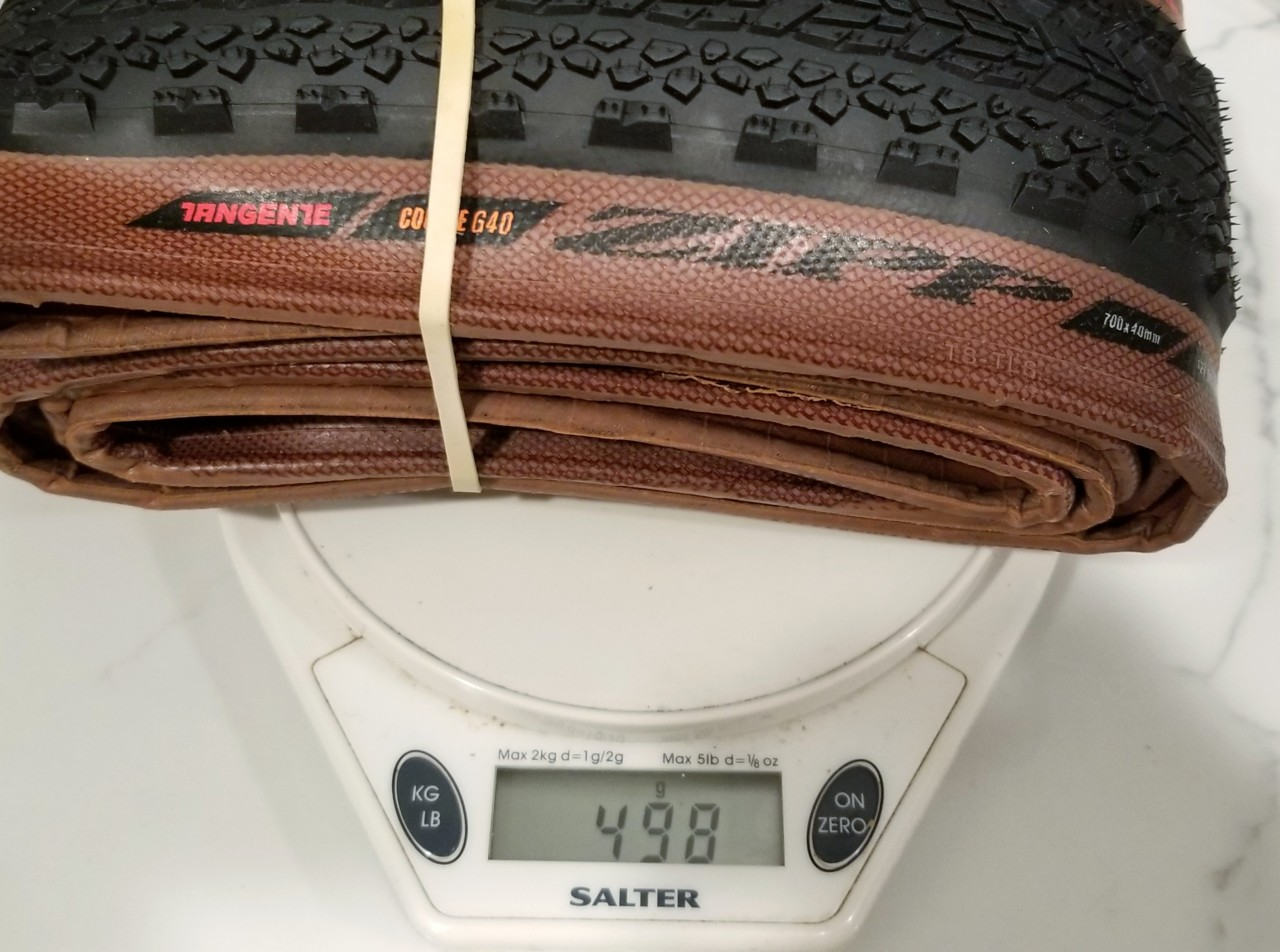 The Zipp Tangente Course G40 tire tips our scales at 497g, or 498g with a rubber band.
