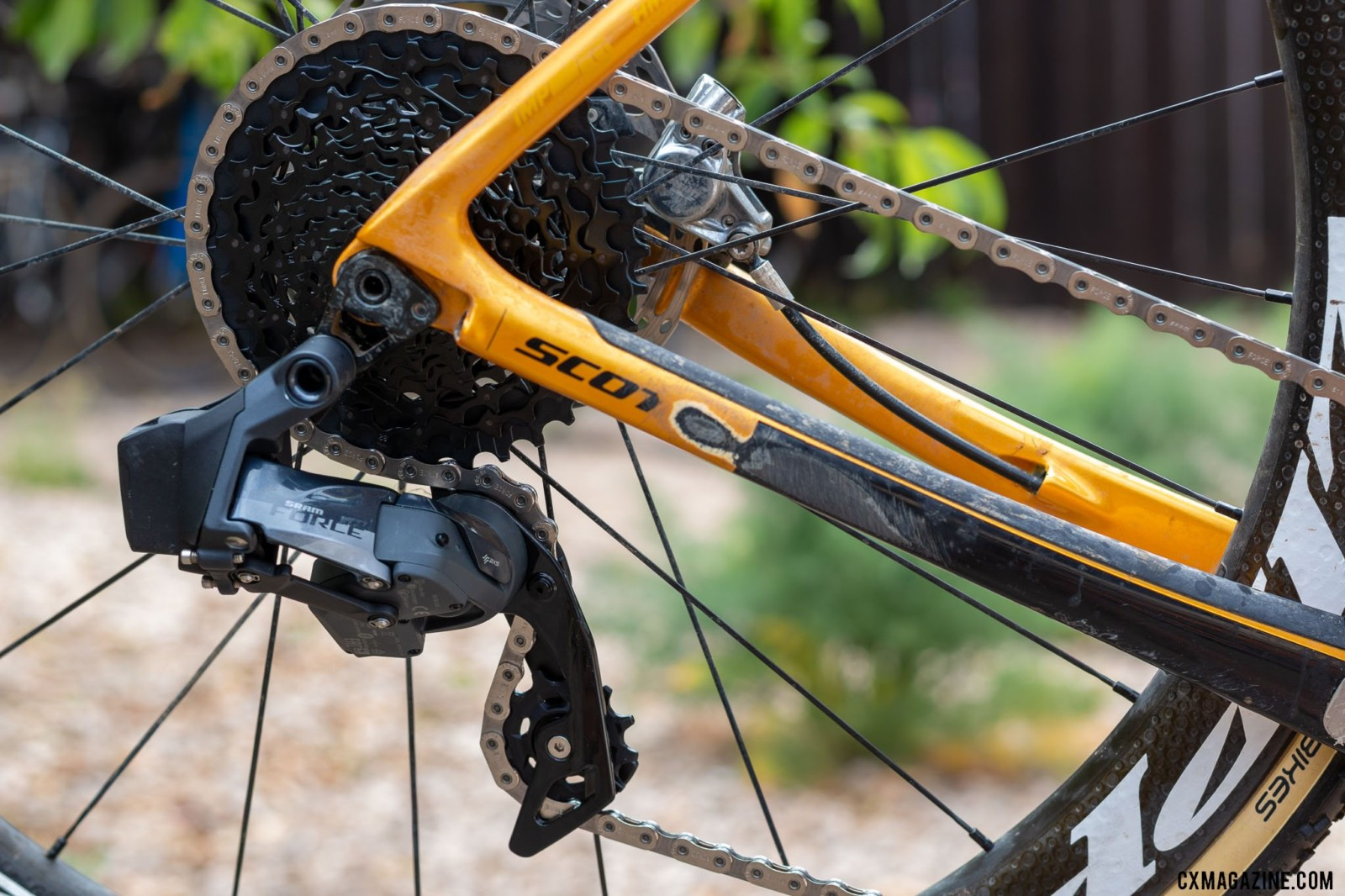 The new wide-range SRAM Force AXS eTap drivetrain options bring 10-36t and 30/43t gearing options for gravel and cyclocross. © Cyclocross Magazine