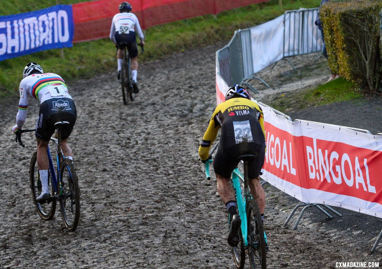 Tom Pidcock had a fast start and forced the two star rivals to chase. 2020 UCI Cyclocross World Cup, Elite Men. © Cyclocross Magazine