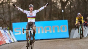 It took everything he had, but Van der Poel is back on top. 2020 UCI Cyclocross World Cup, Elite Men. © Cyclocross Magazine