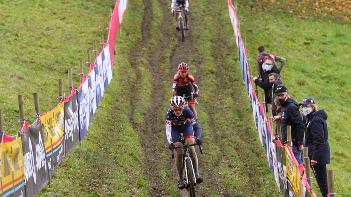 Honsinger leads Betsema on the infamous off-cambers. 2020 Namur UCI Cyclocross World Cup Women. © Cyclocross Magazine