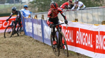 Denise Betsema at the front at 2020 Superprestige Boom. © Cyclocross Magazine