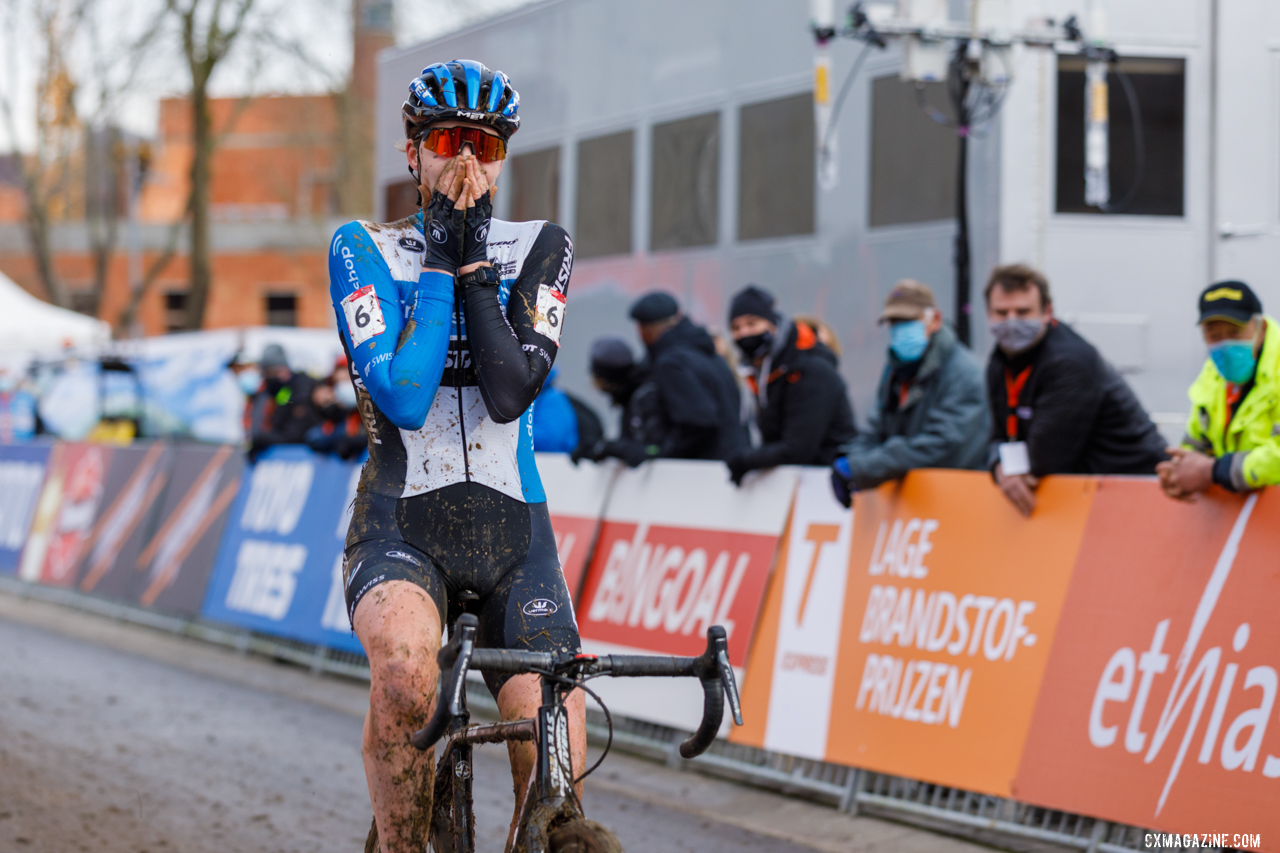 Bakker after finishing the race in 3rd, her best World Cup finish. 2021 UCI Overijse Cyclocross World Cup. © Alain Vandepontseele / Cyclocross Magazine